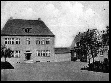 alte-schule-4-bernhardschule-mit-lehrerhaus