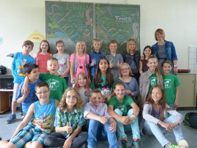 Klasse 4 mit ihrer Klassenlehrerin Frau Bernkurth